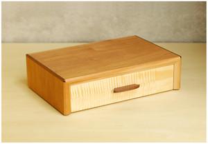 Box17060526